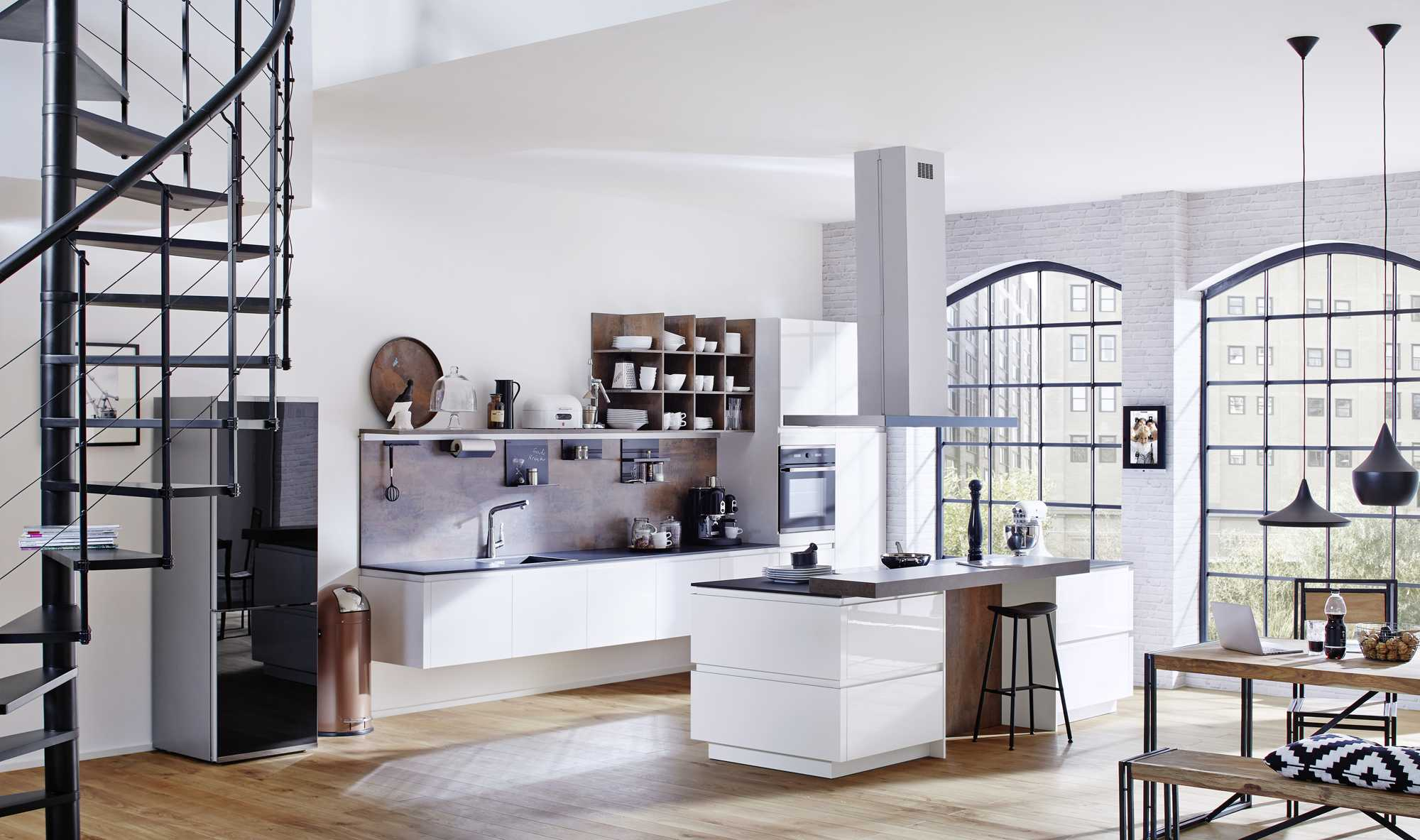 German Kitchen – Lucido High Gloss Snow. Door with Chamfered handle Profile (Handle Rail G78D)