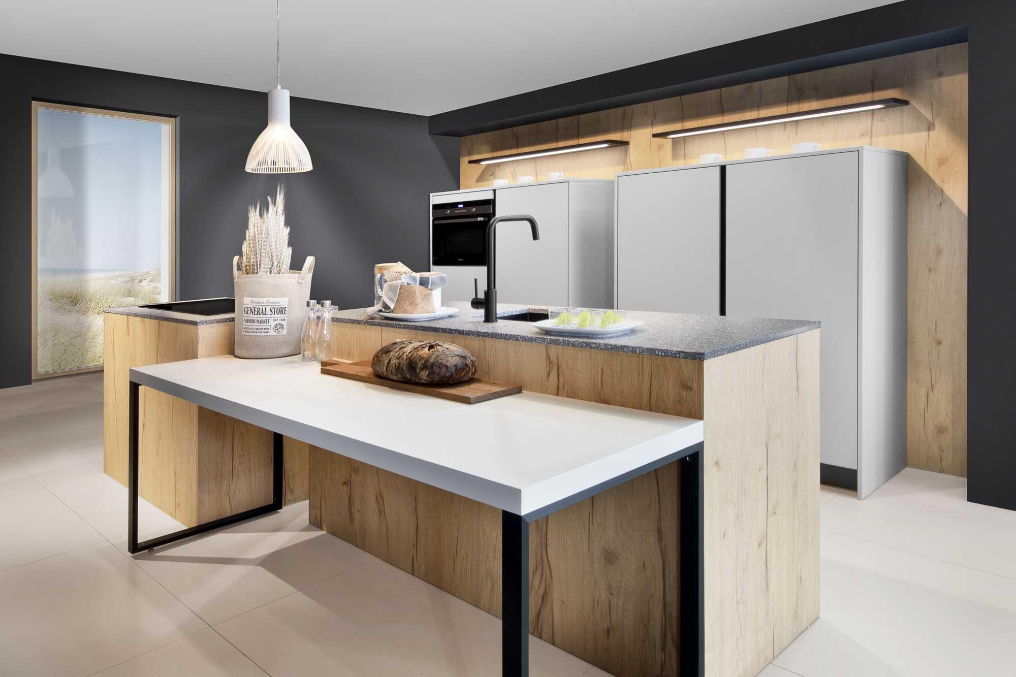 Two Tone Kitchen: Informa Daylight Grey MX and ZeroxNogero XT